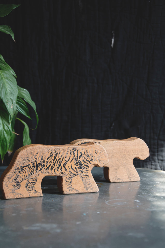VINTAGE WOODEN ZOO ANIMALS
