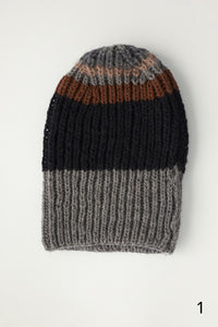 Hand knitted beanie - Black