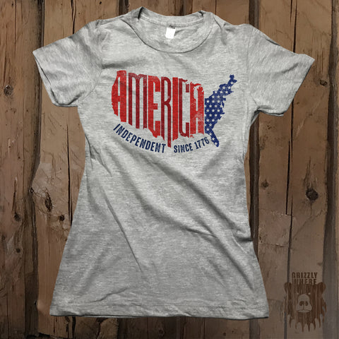 America Independent Since 1776 Graphic Tee - Womens' - Grizzly Where