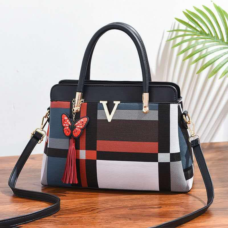 Shay Vee Bag for Women - Black