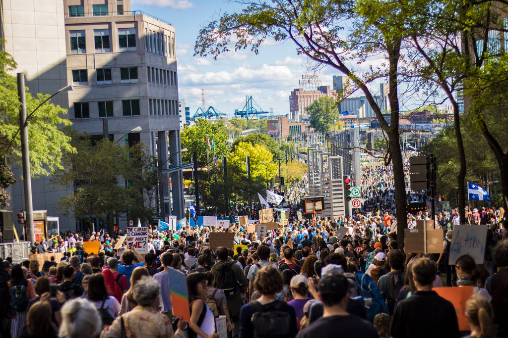 hundreds of thousands of Protestors in Montreal during the strike for climate