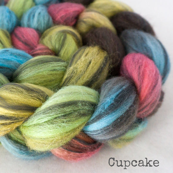 Polwarth Black Bamboo Silk Roving - Cupcake