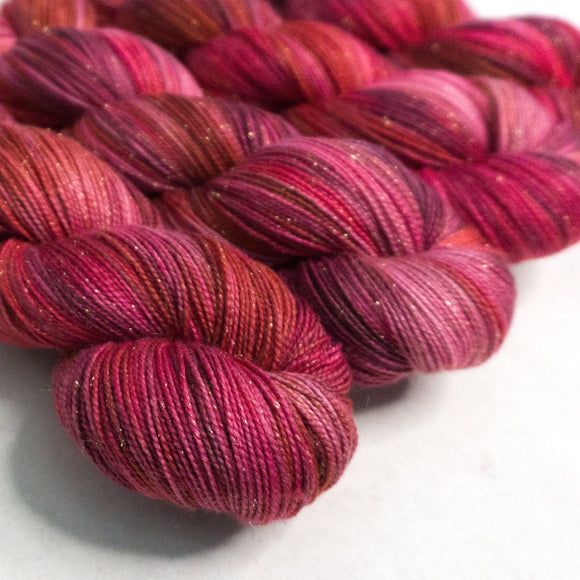 Gold Dust Yarn - Hot Lips Variegated