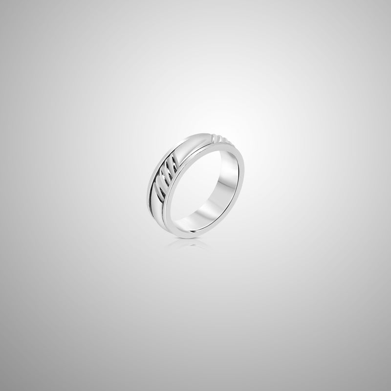 Ocean Waves Spinner Ring