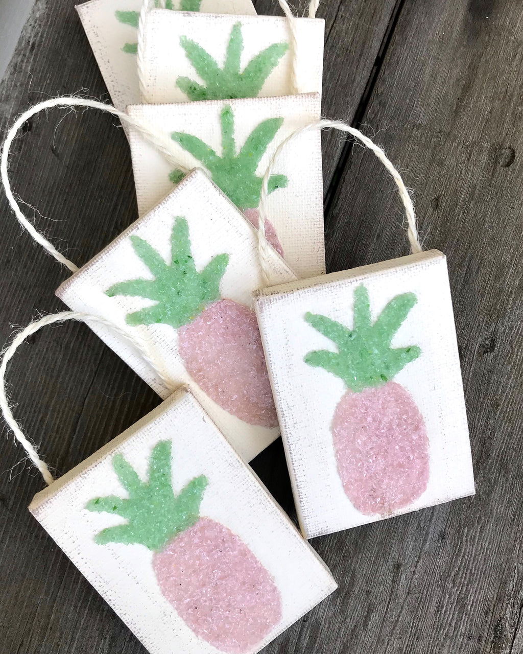 Pink Pineapple ornament T1478