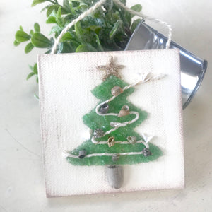 T1535 4x4 green tree with Shell garland