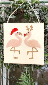 T1596 kissing Christmas flamingos