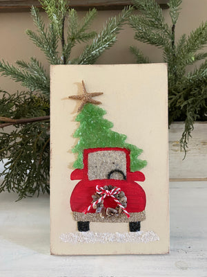 T1599 large wood red truck/tree