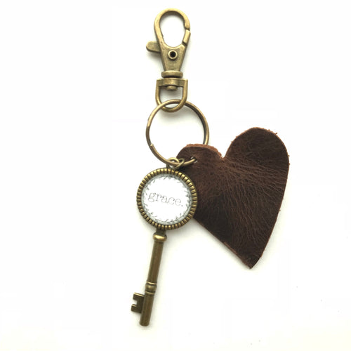 :KEYCHAIN: Grace - Leather Heart Key