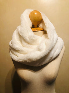 Winter white snood
