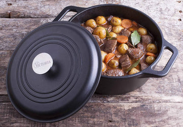 Cast Iron Dutch Oven (with lid) - Meat N' Bone