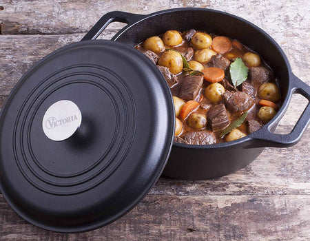 Cast Iron Dutch Oven (with lid)