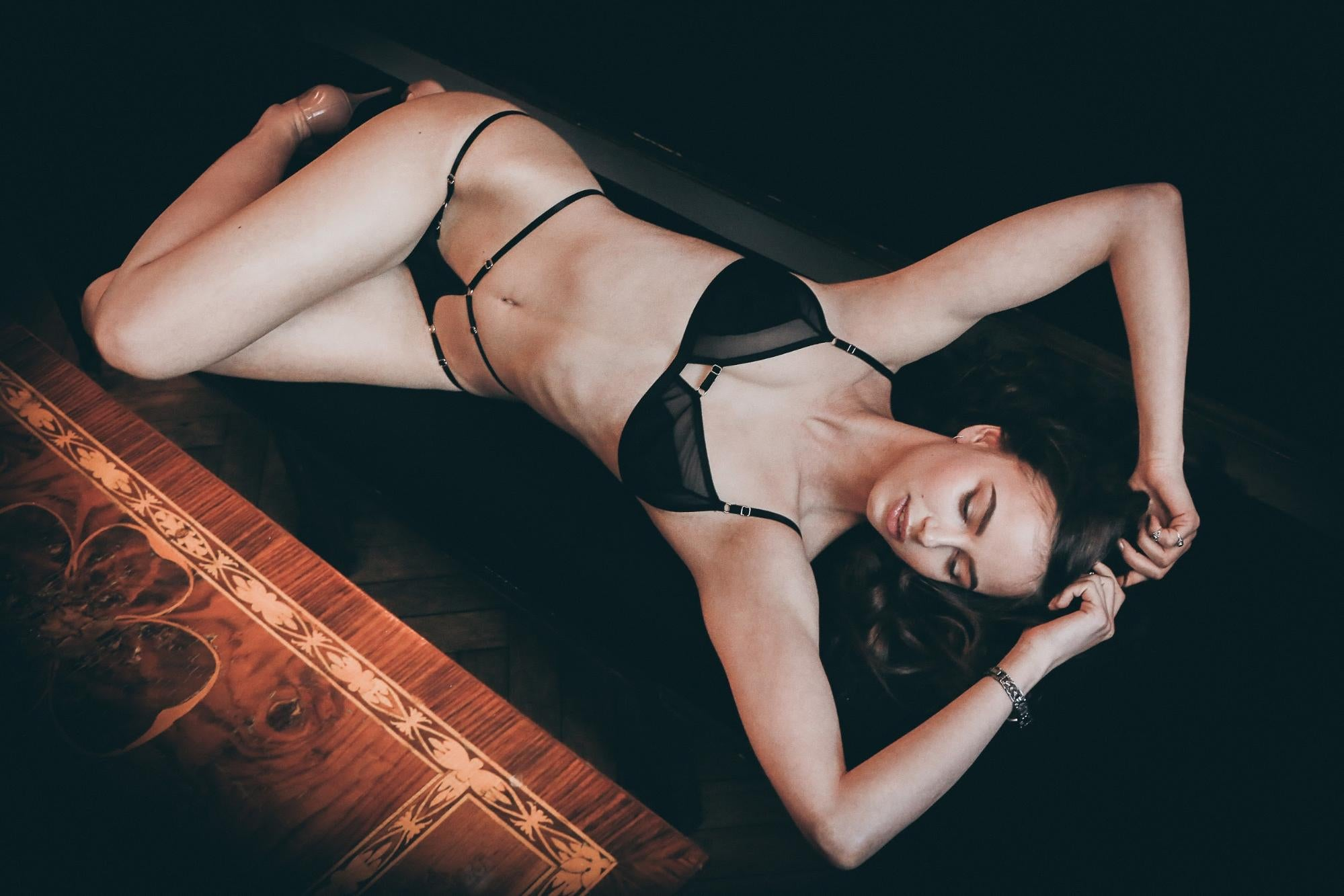 How to Take Boudoir Photos For Your Man