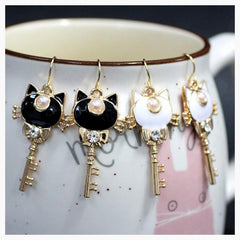 Jewelry - Heart Key Earrings