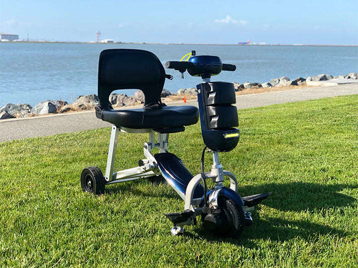 iTravel Generation Foldable Ultra Lightweight 3 Wheel Scooter