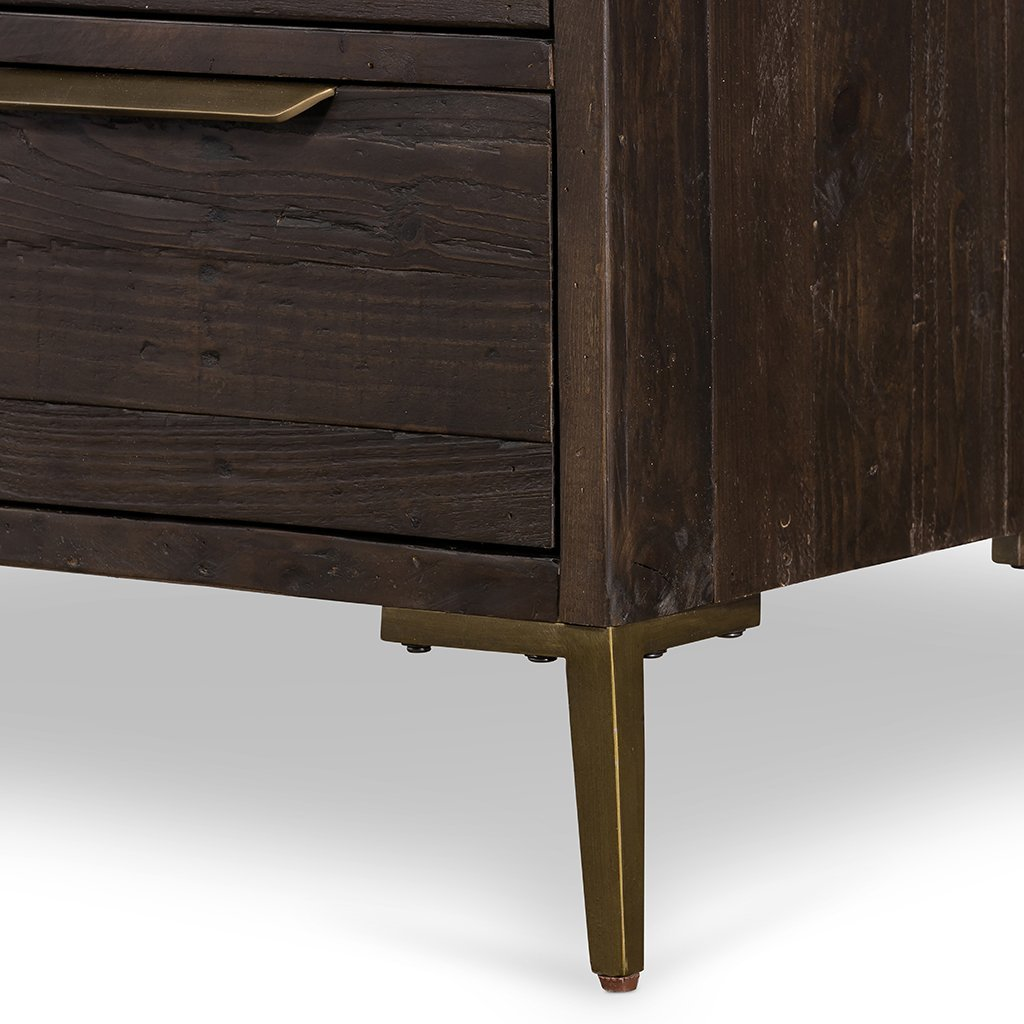 Wyeth 5 Drawer Dresser VWYT-004B Leg Detail
