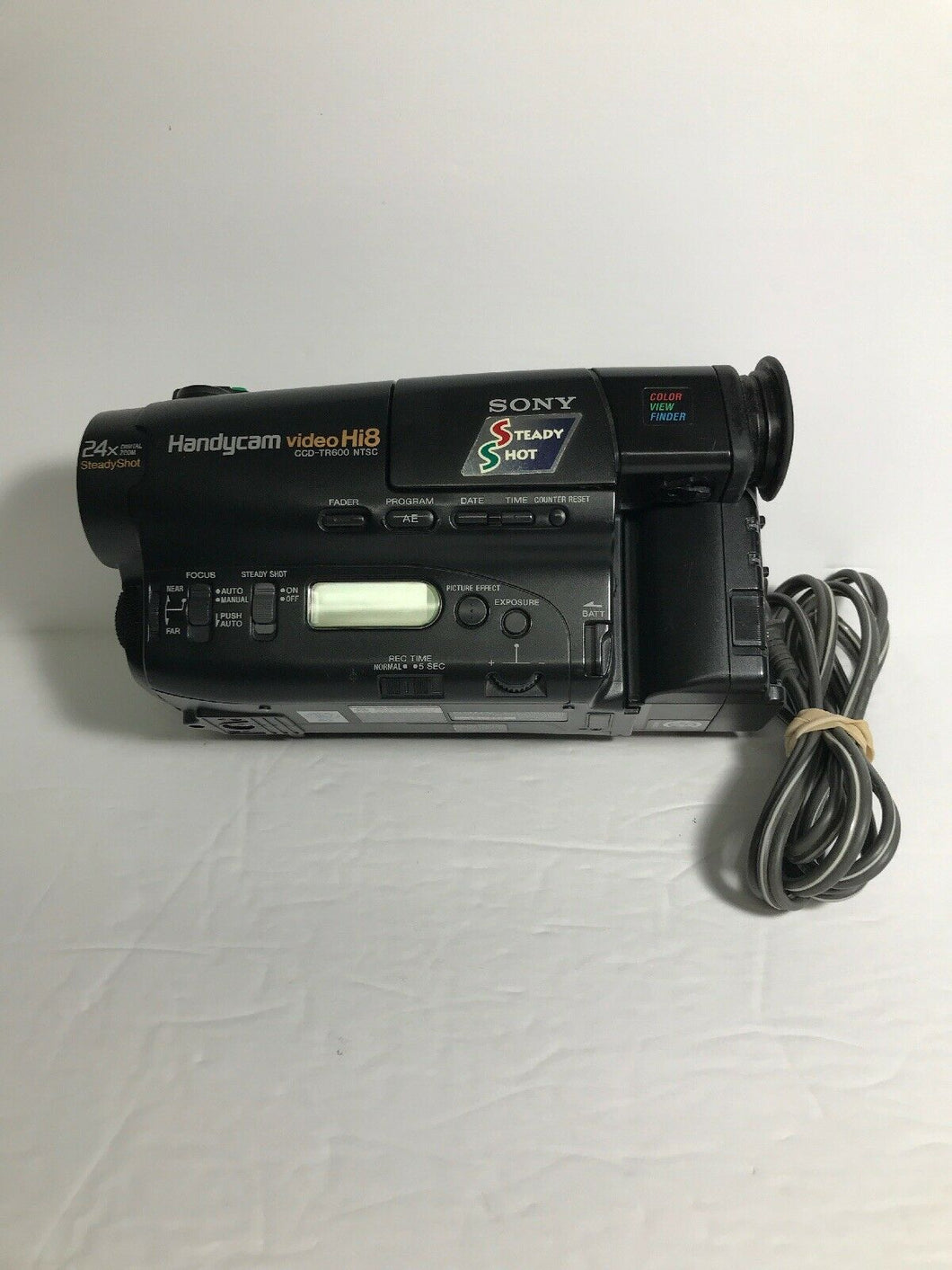 Sony CCD-TR600 Hi8 heavy duty NTSC camcorder plays 8mm Hi8 analog tapes
