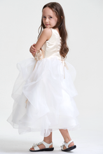Colored  Scoop Neck Flower Girl Dresses with Handmade Flowers