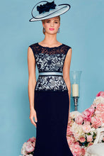 Sheath/Column Scoop Neck Knee-Length Lace Mother of the Bride Dress with Satin Belt