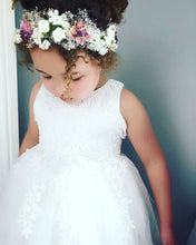 A-Line Tulle/Lace Scoop Neck Knee-length Flower Girl Dress