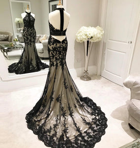 Trumpet/Mermaid Halter Neck Sweep Train Back Strap Lace Evening Dress