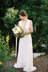 A-Line V-neck Sleeveless Split Wedding Dresses
