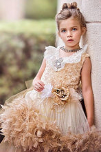 Vintage Lace Flower Girl Dresses with a Stunning Crystal