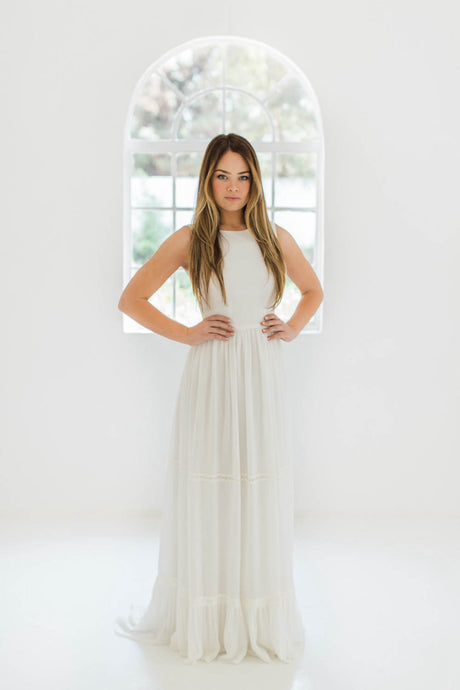 A-Line Scoop Sleeveless Wedding Dresses
