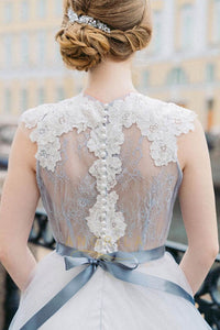 Charming A-Line Lace Bodice Tulle Wedding Dresses