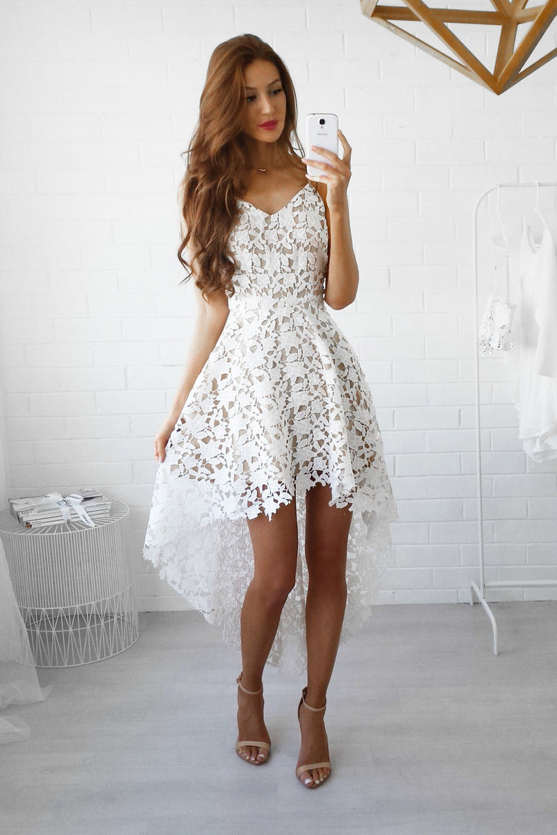 Elegant Spaghetti Straps Lace Homecoming Dresses
