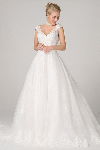 Ball-Gown/Princess V-neck Long Train Tulle Wedding Dress with Lace