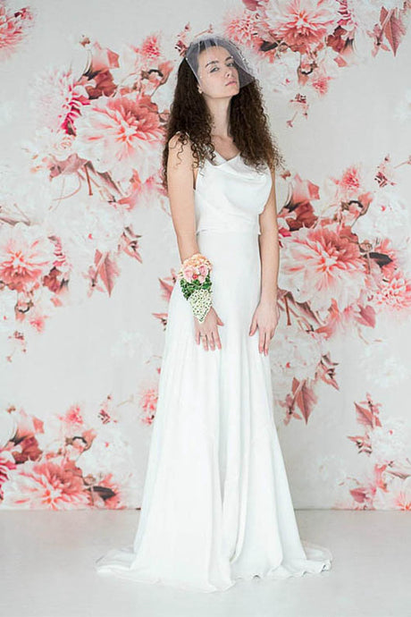 Sheath/Column Simple Beach Wedding Dress