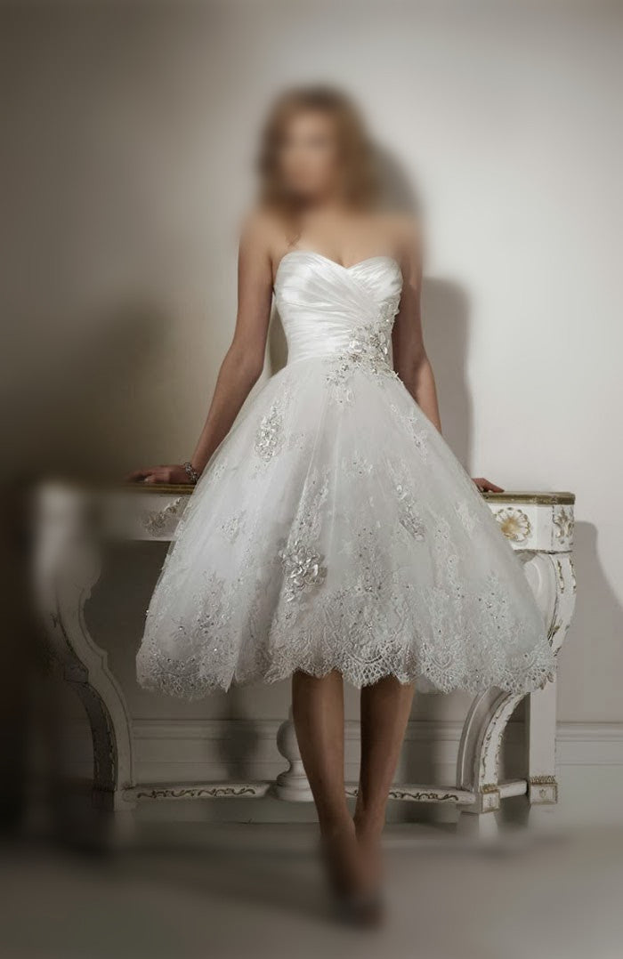A-line/Princess Strapless Sweetheart  Lace Applique Beading Tea-length Wedding Dress