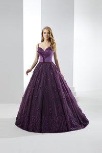 Ball-Gown Chapel Train Spaghetti Straps Prom Dress with Appliques