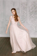 Sheath/Column V-neck Long Prom Dress with Appliques