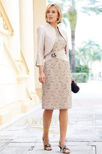 Sheath/Column Scoop Neck Knee Length Mother of the Bride Dress with Crystal Brooch