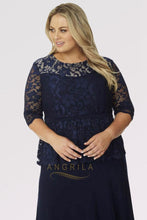 Sheath/Column Scoop Neck Lace Plus Size Prom Dress with 1/2 Sleeves