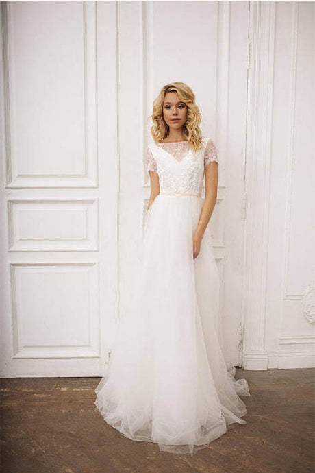 A-Line/Princess Bateau Neckline Tulle Lace Wedding Dress with Short Sleeves