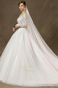 Ball-Gown Chapel Train Scoop Neck Lace Wedding Dress with Long Sleeves