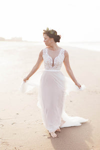 A-Line/Princess Sweep Train Lace Wedding Dress with Appliques Lace
