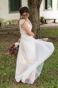 A-Line/Princess V-neck Lace Wedding Dress with Beading