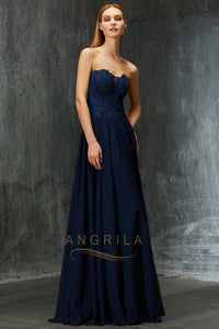 A-Line/Princess Sweetheart Strapless Evening Dress with Appliques Lace