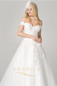 Ball-Gown Off-the-Shoulder Chapel Train Lace Wedding Dress with Lace Appliques