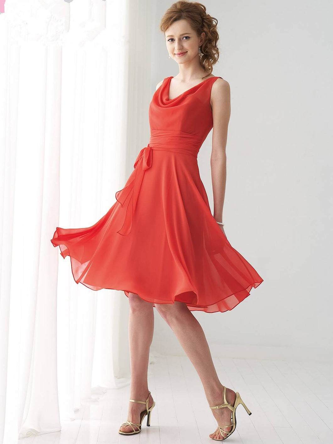 A-line Sleeveless V-back Sash Knee-length Chiffon Bridesmaid Dresses