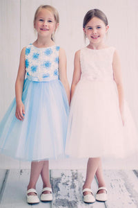 A-line/Princess Scoop Neckline Tulle Flower Girl Dresses with Sash