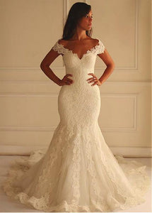 Trumpet/Mermaid Off-the-shoulder Lace Appliques Long Wedding Dress with Court Train