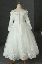 Long Sleeves Off-the-Shoulder Lace Flower Girl Dresses