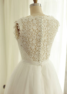 A-Line/Princess Lace Sleeveless Short Wedding Dresses with Beading