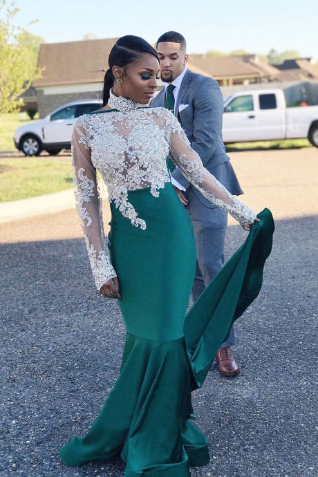 Long Sleeves Lace Scoop Neck Prom Dresses with  Appliques Lace