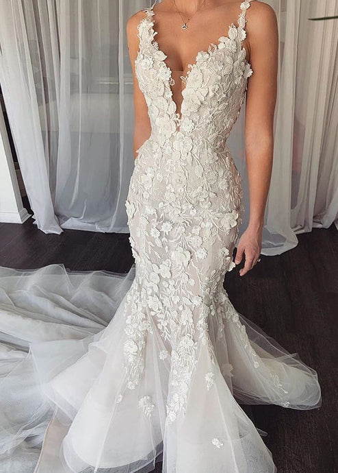Spaghetti Straps Tulle Appliques Lace V-neck Wedding Dress